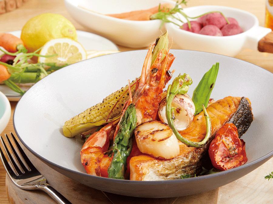 海鮮拼盤.野蔬.番茄醬汁